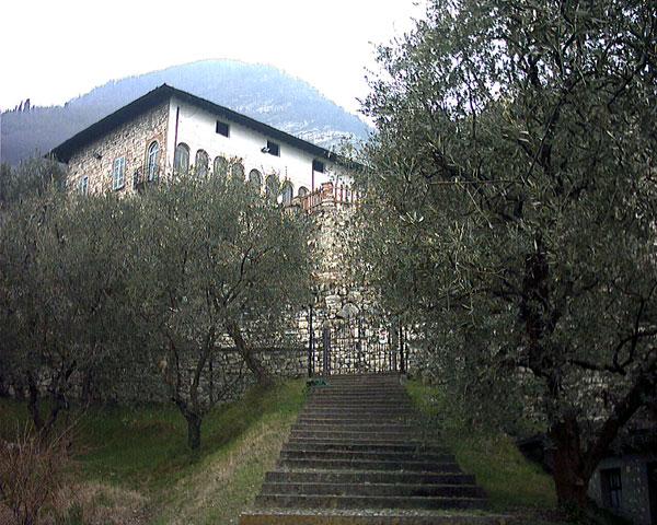 Castello Oldofredi - Peschiera Maraglio - Lago d'Iseo