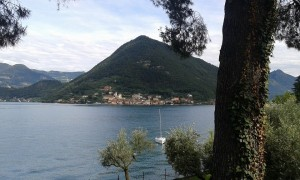 visita guidata per scoprire il borgo di Peschiera Maraglio