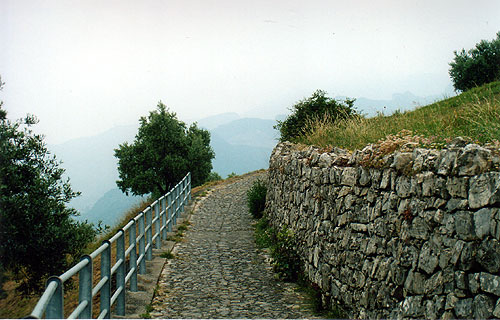 Sentiero per Masse